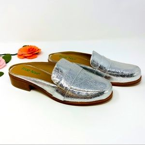 True Ivy Silver leather Slide on loafers, Size 7